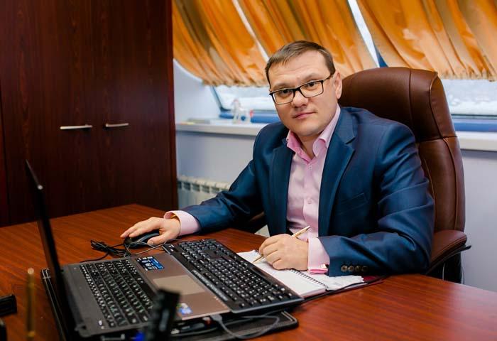 Виктор Владимирович Латыпов – генеральный директор ООО «Консалтинговая Группа «Ваш главбух»