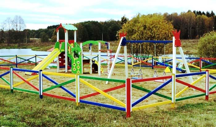 Детская площадка в поселке «Николины озера»