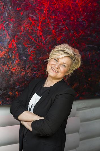 Выставка Лары Кен в арт-галерее Дача