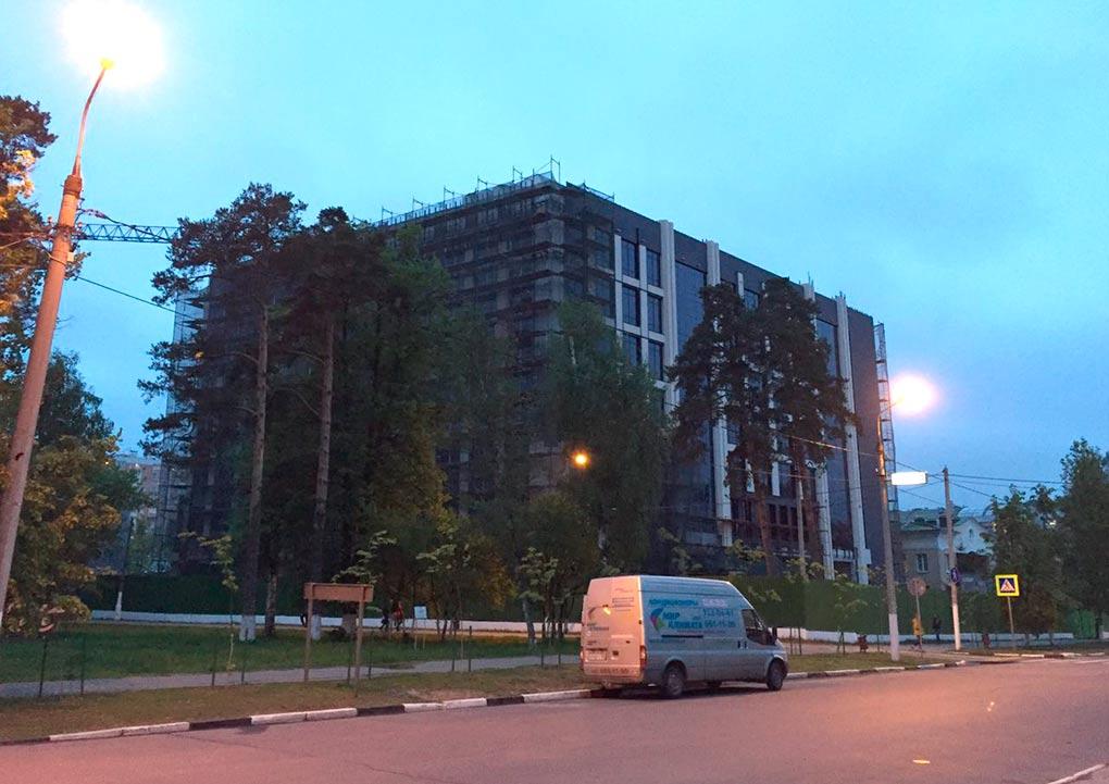 Культурно-административное-здание-на-Неделина