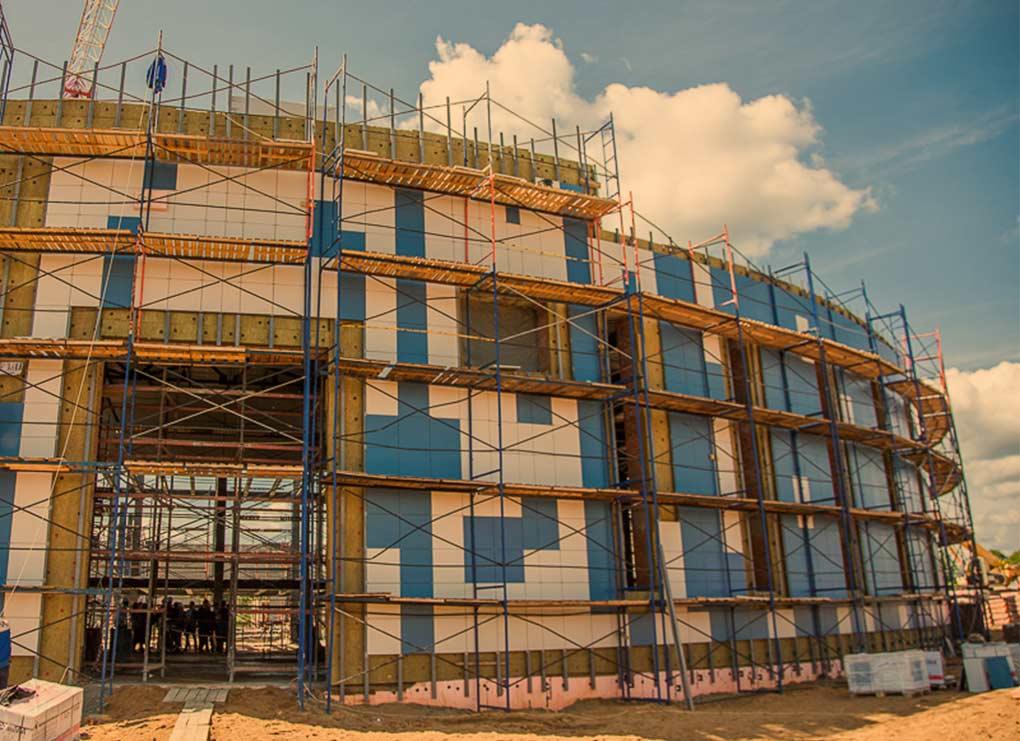 Строительство школы в Раздорах