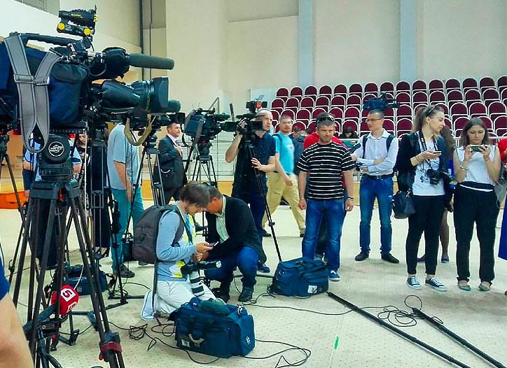 Автор: Женечка Соловьева, VK - подготовка бродкастеров к теле, аудио и фото вещанию с церемонии открытия МГИМО