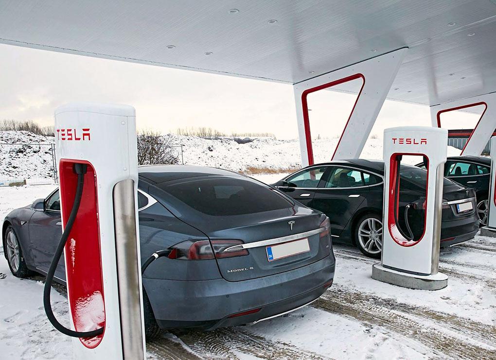 tesla_superchargingstation_w