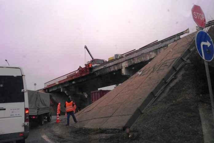 Сроки завершения ремонта путепровода у Кубинки перенесли