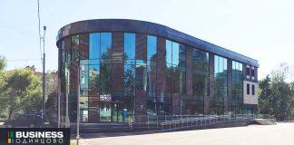Торговый-центр-через-дорогу-от-Дубравы