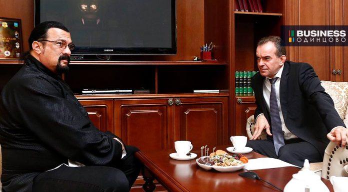 Стивен Сигал и губернатор Краснодарского края Вениамин Кондратьев
